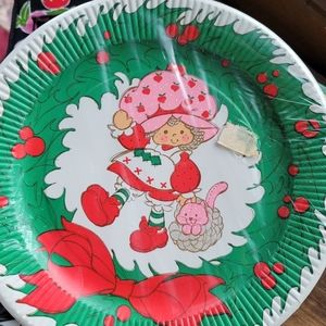 Vintage strawberry shortcake paper plates